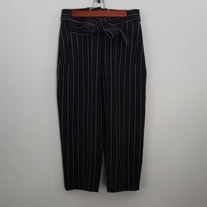 Aritzia Wilfred black pinstripe dress capris size 6